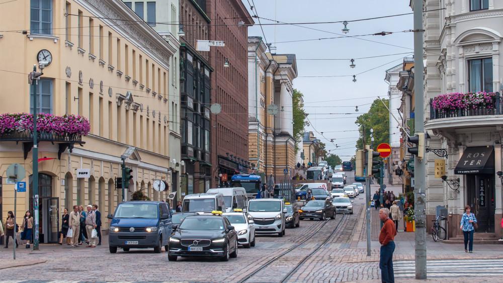 Helsingin katu ruuhka-aikaan
